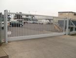 Гаражные и промышленные секционные ворота (различных типов).